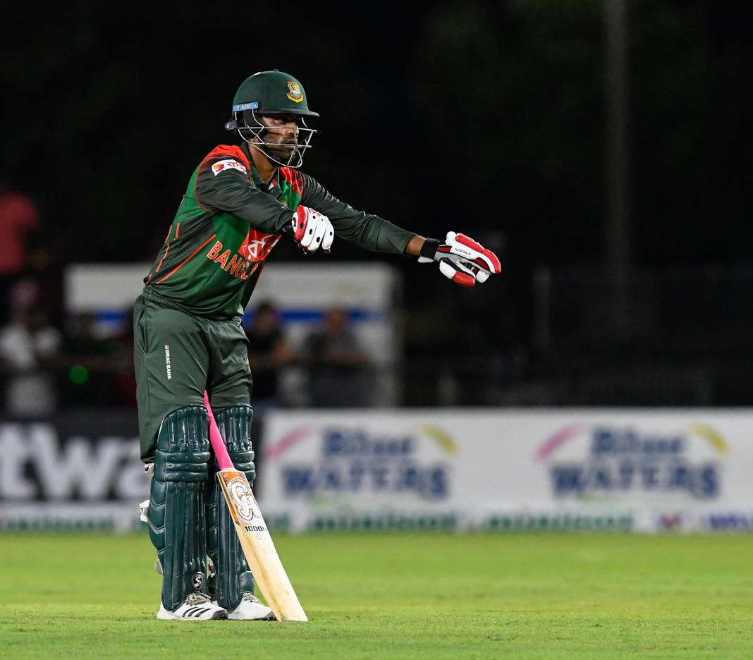 Asia Cup 2018 Video,Asia Cup 2018 Mushfiqur Rahim,Asia Cup 2018 Tamim Iqbal,Tamim Iqbal Batting With One Hand video,Asia Cup 2018 live,Asia Cup 2018 images,Asia Cup 2018 twitter